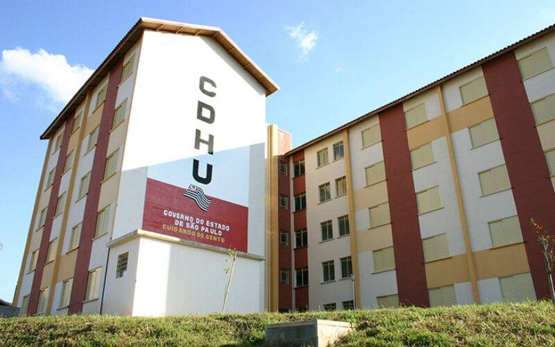 CDHU visita mutuários da Zona Leste em suas residências