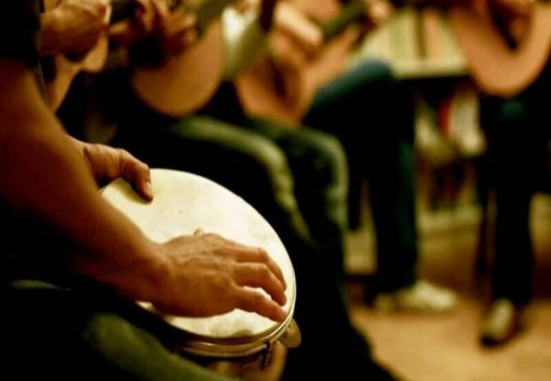 Banda Segundas Intenções do Samba de Guaianases se apresenta no Sesc