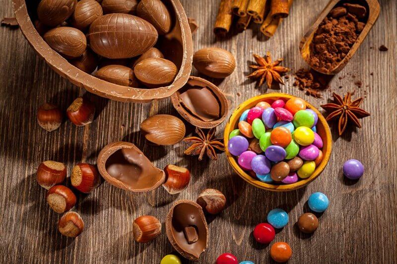 Shopping Penha promove parada do coelho de Páscoa e caça aos ovos
