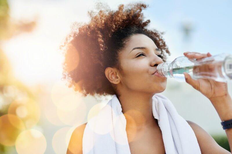 Importância do consumo de água em períodos de altas temperaturas - ZLN