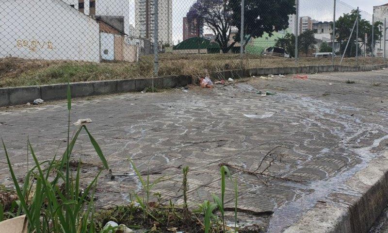 Moradores da Vila Carrão sofrem com esgoto a céu aberto - ZLN