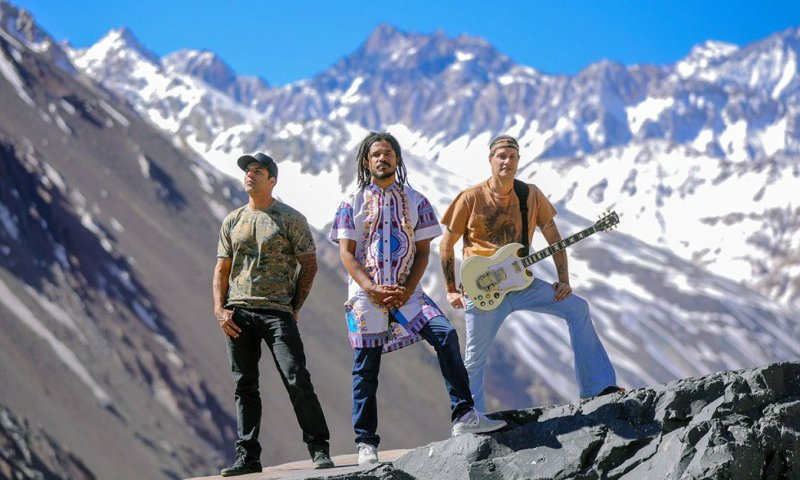 Zona Leste recebe show da banda Natiruts - ZLN
