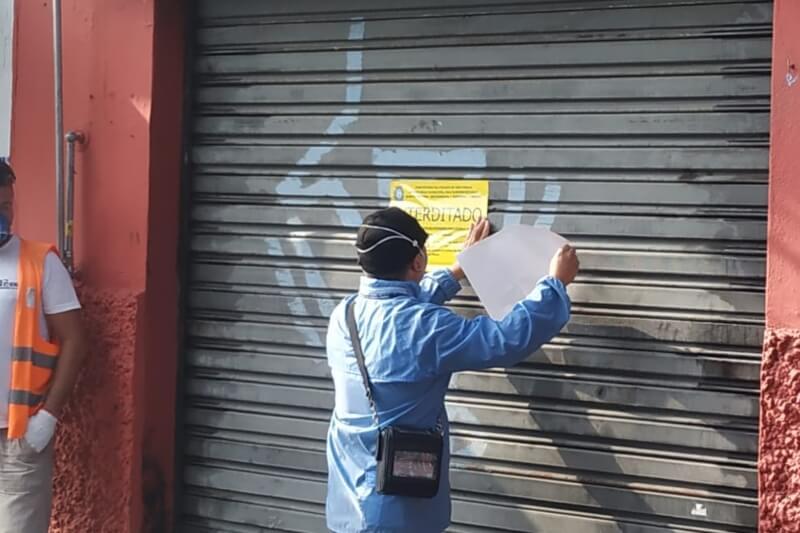 Subprefeitura da ZL interdita comércios na região