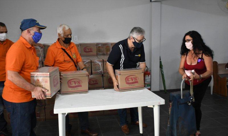 Centro médico doa cestas básicas para famílias carentes da ZL - ZLN